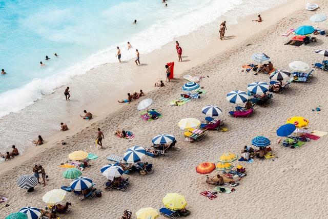 spanien-oppnar-for-turism